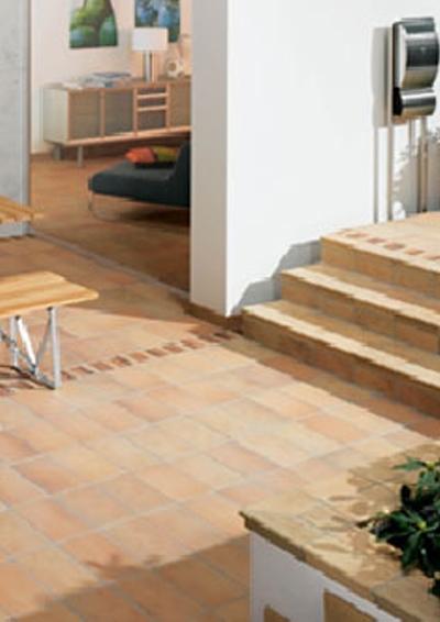balkone und terrassen keramische fliesen f r das verl ngerte wohnzimmer wohnungswirtschaft. Black Bedroom Furniture Sets. Home Design Ideas