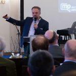 Prof. Dr. Frank Schwab: Schimmelpilzbefall bei Nahrung ruft Ekel hervor, bei Schimmel am Bau